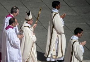 Римском обряде во время церемонии Мандатум
