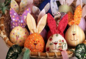 Яйца и кролик