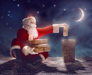Санта-Клаус составляет списки детей