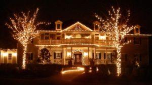 Украшаем фонариками или светодиодными лентами